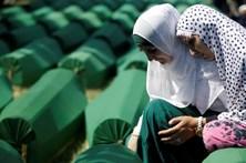 Governo holandês responsabilizado pela morte de 300 bósnios em Srebrenica