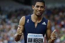 Van Niekerk bate melhor marca mundial dos 300 metros