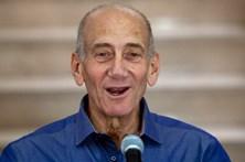 Ex-primeiro-ministro israelita vai sair em liberdade condicional