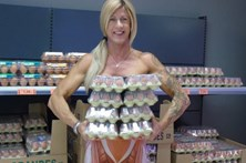 Bebe 30 claras de ovo por dia para tonificar o corpo
