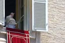 """Papa Francisco diz que chamar mártir a um bombista é """"repugnante"""""""