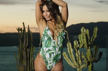 Luciana Abreu exibe curvas em música sobre alergia ao marisco