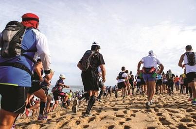 Maratona disputada à beira-mar para levar os atletas ao limite