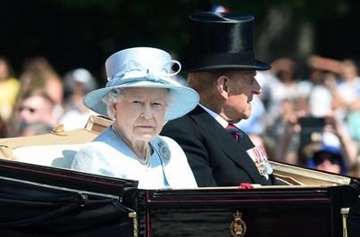 Parada em Londres celebra os 91 anos da rainha Isabel II