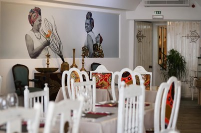 África à mesa com a 'Tia Bé'