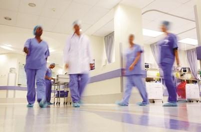 Enfermeiros especialistas mantêm protesto após parecer da PGR