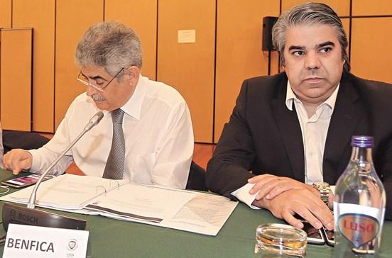 Envelope com denúncia entregue no DCIAP com carimbo de Lisboa