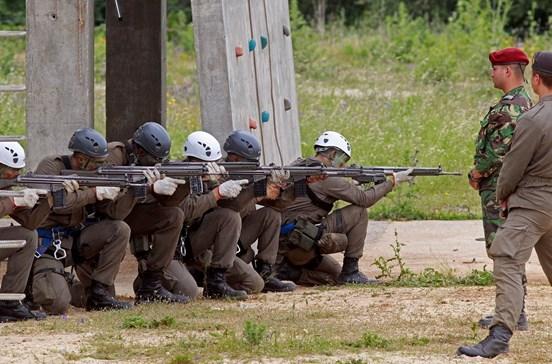 Já só há 15 resistentes no curso de Comandos