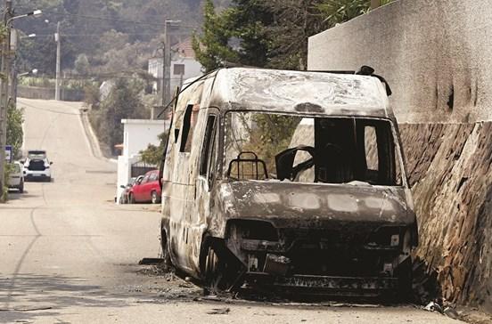 Aldeia mártir chora morte de 11 pessoas