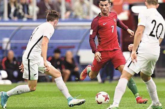 Portugal nas meias porque esta bola é redonda