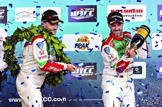 Tiago Monteiro lidera o campeonato do Mundo de carros de turismo
