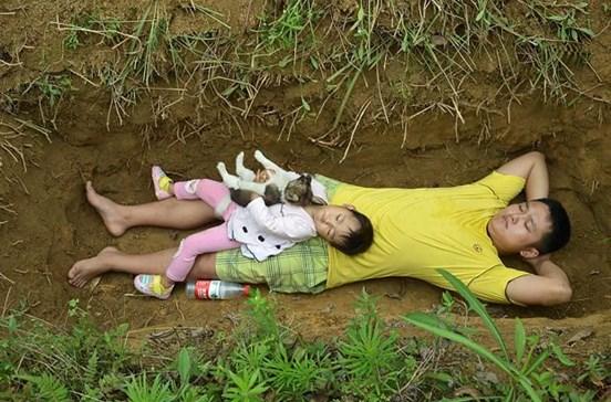 Leva filha doente terminal todos os dias à sua futura campa