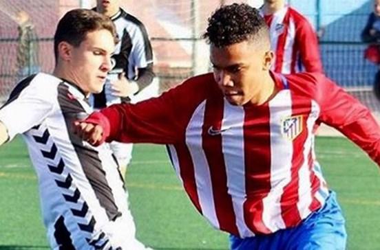 Filho de Paulo Assunção na rota do Benfica