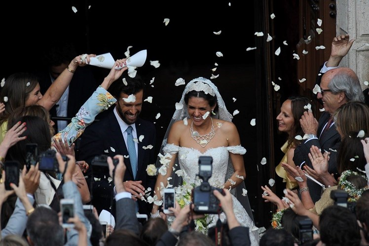 Veja as primeiras imagens dos noivos