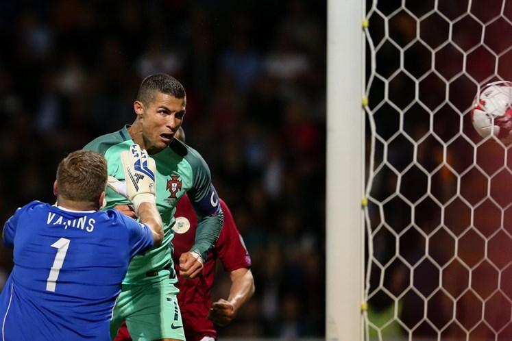 André Silva marca na vitória de Portugal