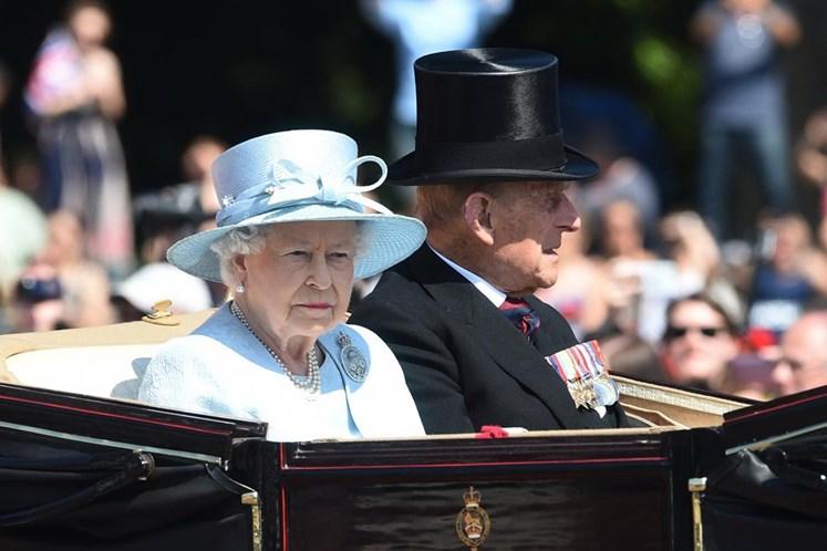 Isabel II e administração Trump implicados nos 'Paradise Papers'