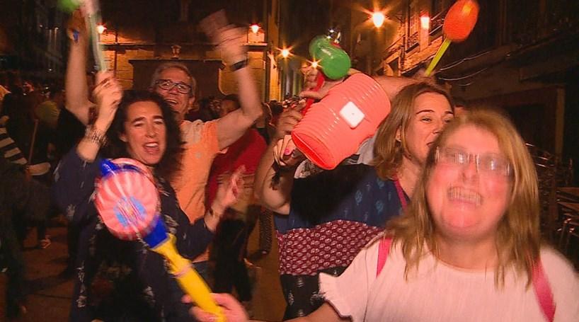 Milhares enchem ruas na noite de São João