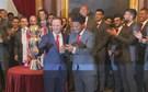 Eliseu recusa 3,5 milhões e renova com o Benfica