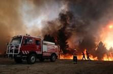 Fogo em Mangualde coloca casas em risco