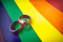 Presidente alemão promulga lei que legaliza casamento homossexual