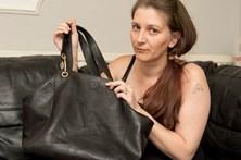 Mulher espera três horas no hospital com bebé morto na mala