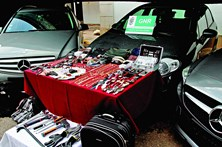 Gang assalta 10 casas de luxo em 3 semanas