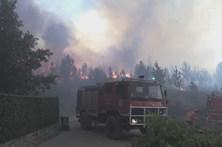 Incêndio ameaça casas na Sertã