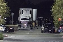Oito mortos e 28 feridos encontrados em camião de tráfico humano