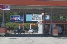Ladrão é travado por funcionários de posto de combustível