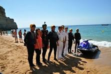 Moto de água ajuda banhistas em Benagil
