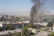 Talibãs reivindicam atentado suicida que fez 24 mortos em Cabul