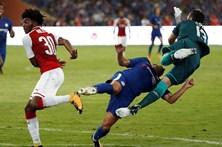 Jogador do Chelsea sofre várias fraturas na cara