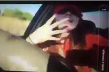 Mostra em direto momento em que mata a irmã em acidente de carro