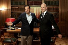 Grécia emite 3 mil milhões de dívida a 5 anos a uma taxa de 4,625%
