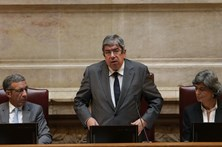 Ferro Rodrigues convoca conferência de líderes