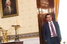 Diretor de comunicação de Trump diz-se pronto para despedir para evitar fugas