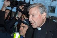 Acusado de pedofilia, Cardeal Pell comparece em tribunal australiano