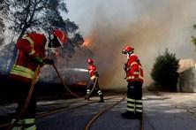 Bombeiros profissionais apelam para disponibilidade de associados de férias ou de folga