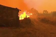 Aldeia de Gardete está completamente cercada pelas chamas