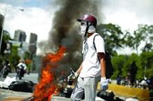 EUA e União Europeia pressionam Maduro