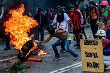 Um morto e quatro feridos na greve geral na Venezuela