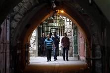 Israel remove passagem superior e barreiras na Esplanada das Mesquitas