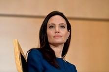 Angelina Jolie diagnosticada com paralisia facial