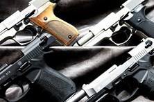 """Falsificavam metralhadoras """"Made In Israel"""" na periferia de São Paulo"""