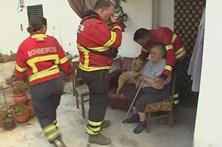 Bombeiros salvam idosa em cadeira de rodas do fogo em Nisa