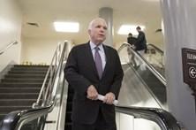 Republicanos voltam a travar revogação do Obamacare no Senado dos EUA