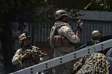 Quinze jovens do exército afegão mortos num atentado em Cabul