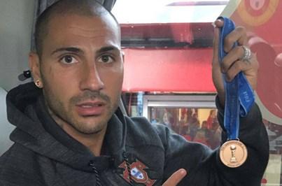 Quaresma dedica medalha da Taça a amigo vítima dos incêndios