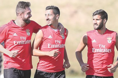 Centrais do Benfica em teste no Algarve