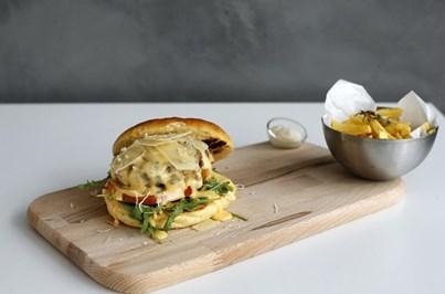 Hambúrgueres 'açorianos' da Soung Burger são um sucesso